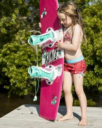 Ronix August Kids Girls Wakeboard 2019 Action 2